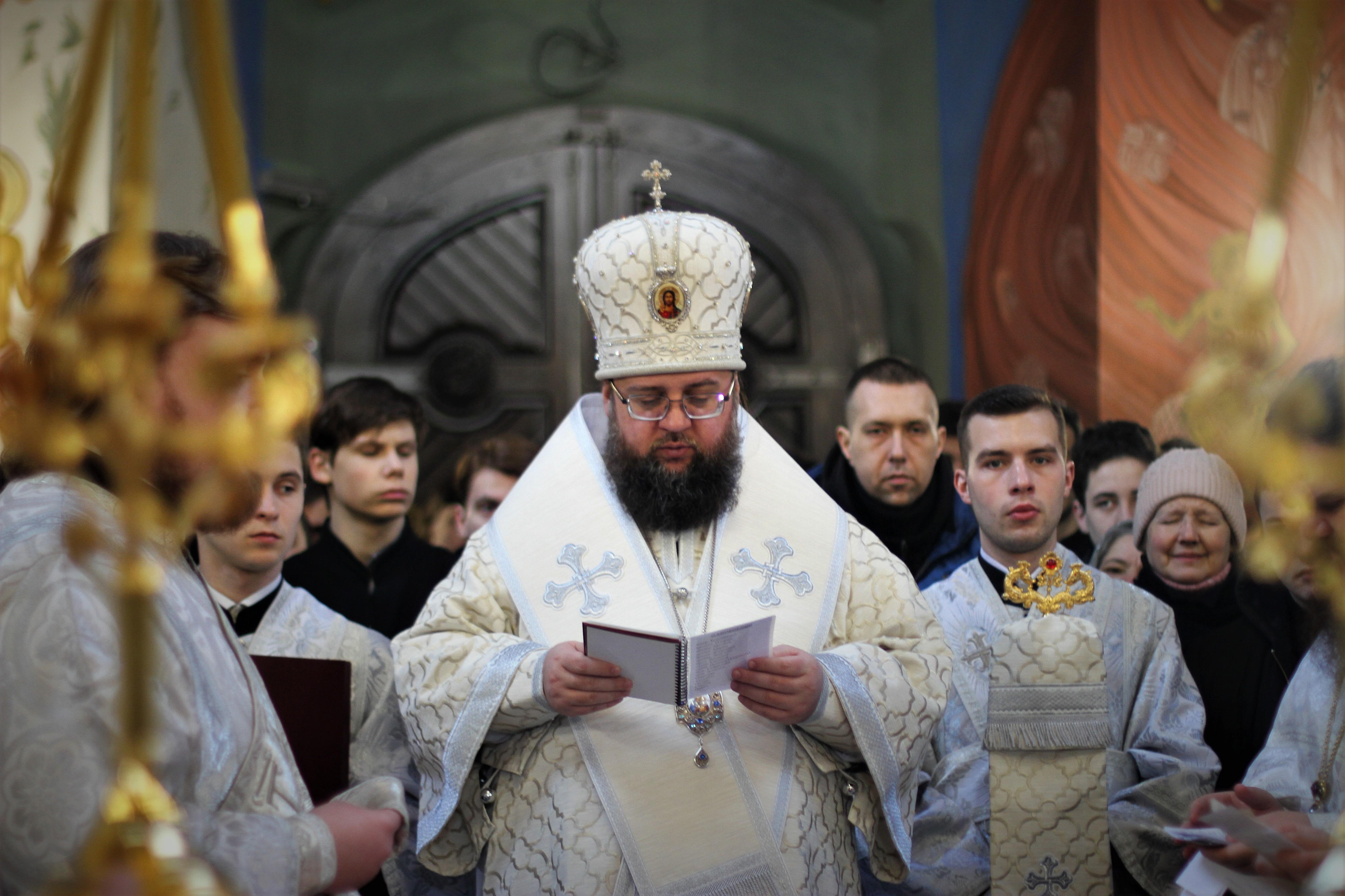 В Київських духовних школах помолились за упокій спочилих православних християн