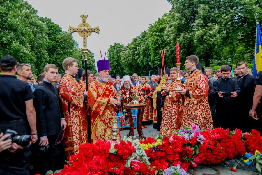 У День Перемоги Київські духовні школи вшанували загиблих у Другій світовій війні