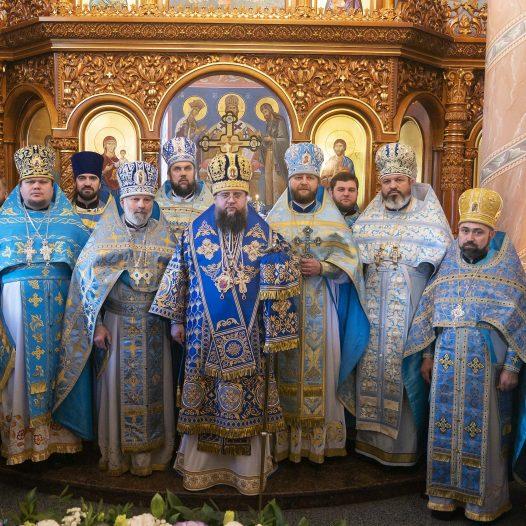 Єпископ Сильвестр очолив престольне свято храму на честь Іверської ікони Божої Матері у Першому Дарницькому благочинні м. Києва